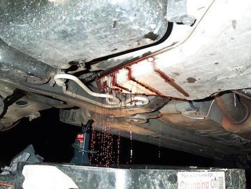 Hiện tượng rò rỉ dầu trên xe hộp số sàn