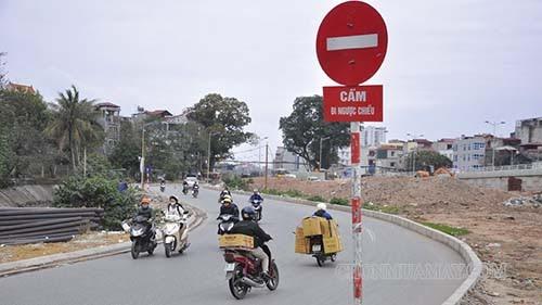 Biển báo cấm đi xe ngược chiều