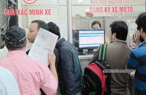Nộp hồ sơ đăng ký xe tại đúng nơi quy định