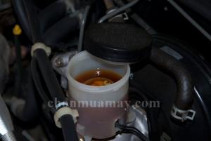 Thay dầu phanh định kỳ cho xe máy