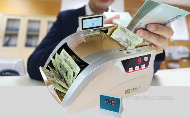 lưu ý mua máy đếm tiền